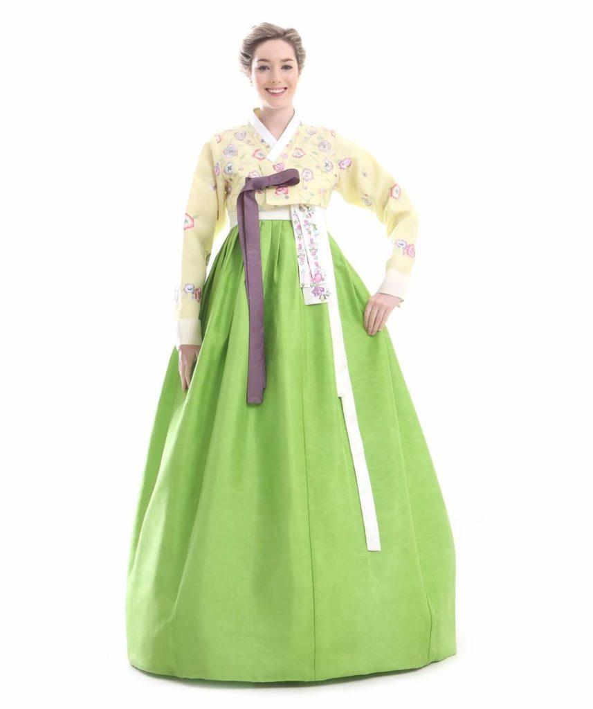 new concept 27068 15ca7 Hanbok kaufen: Wählen Sie aus einer Vielzahl von Kleidern ...